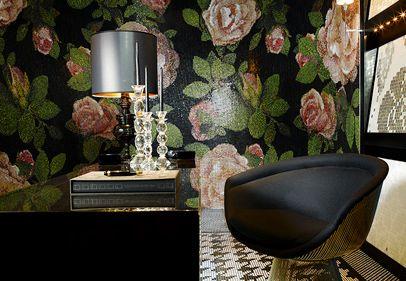 bisazza_flora_springrose_nero_wall